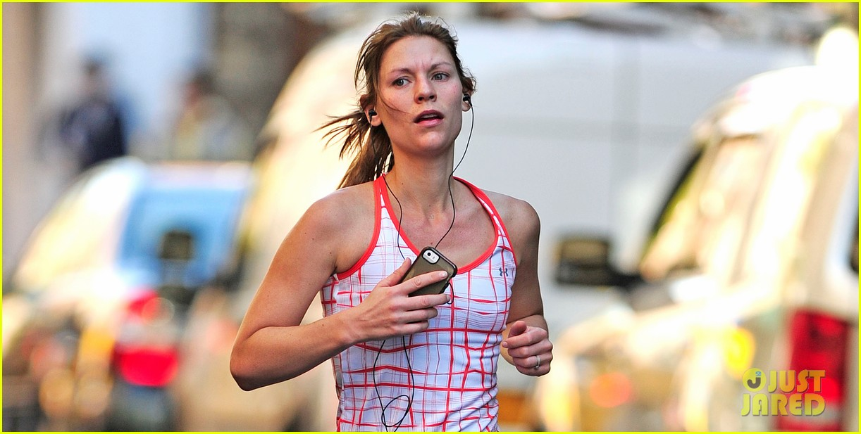 claire danes new homeland tonight 032975358