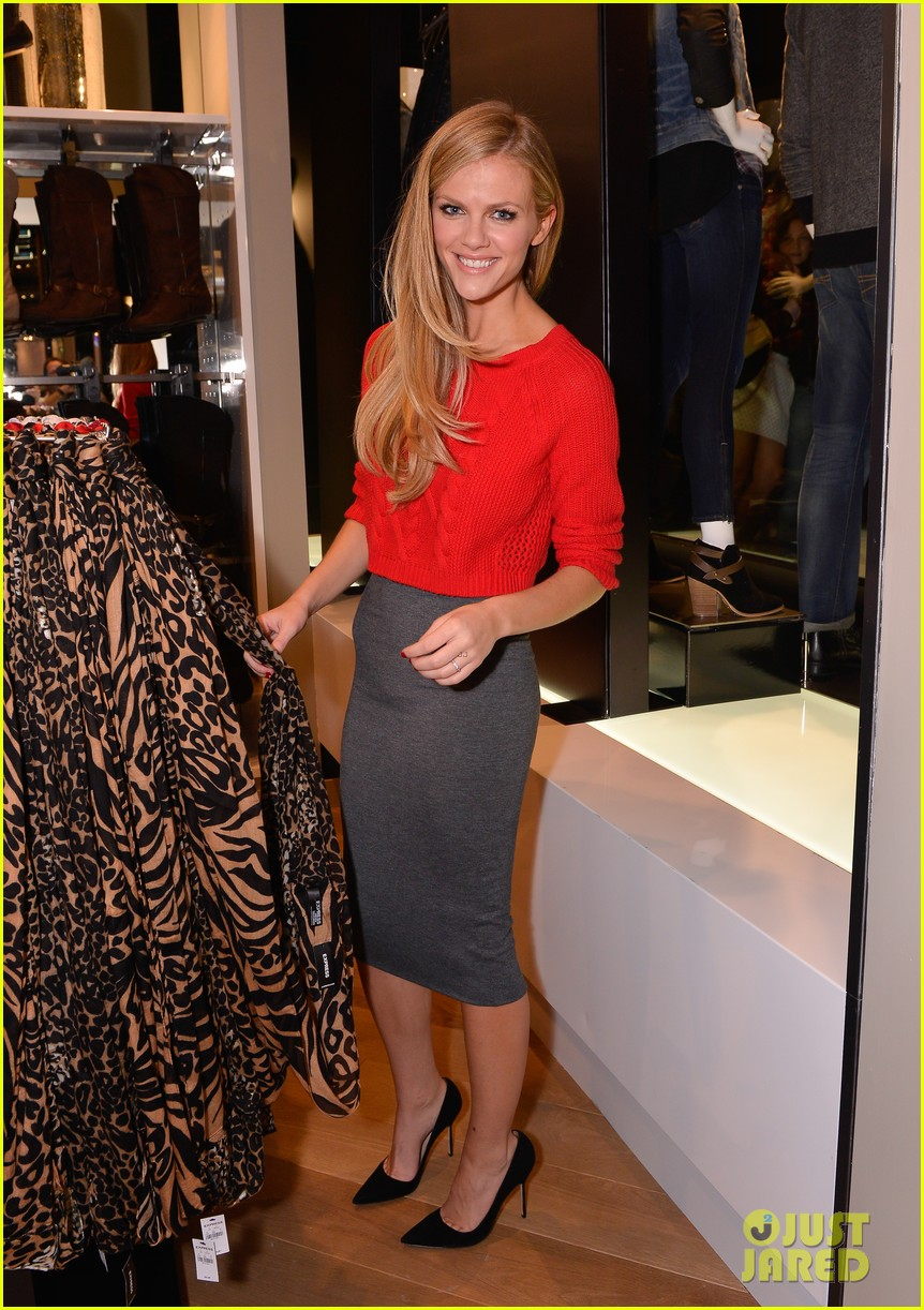 brooklyn decker express union square grand opening 062974329