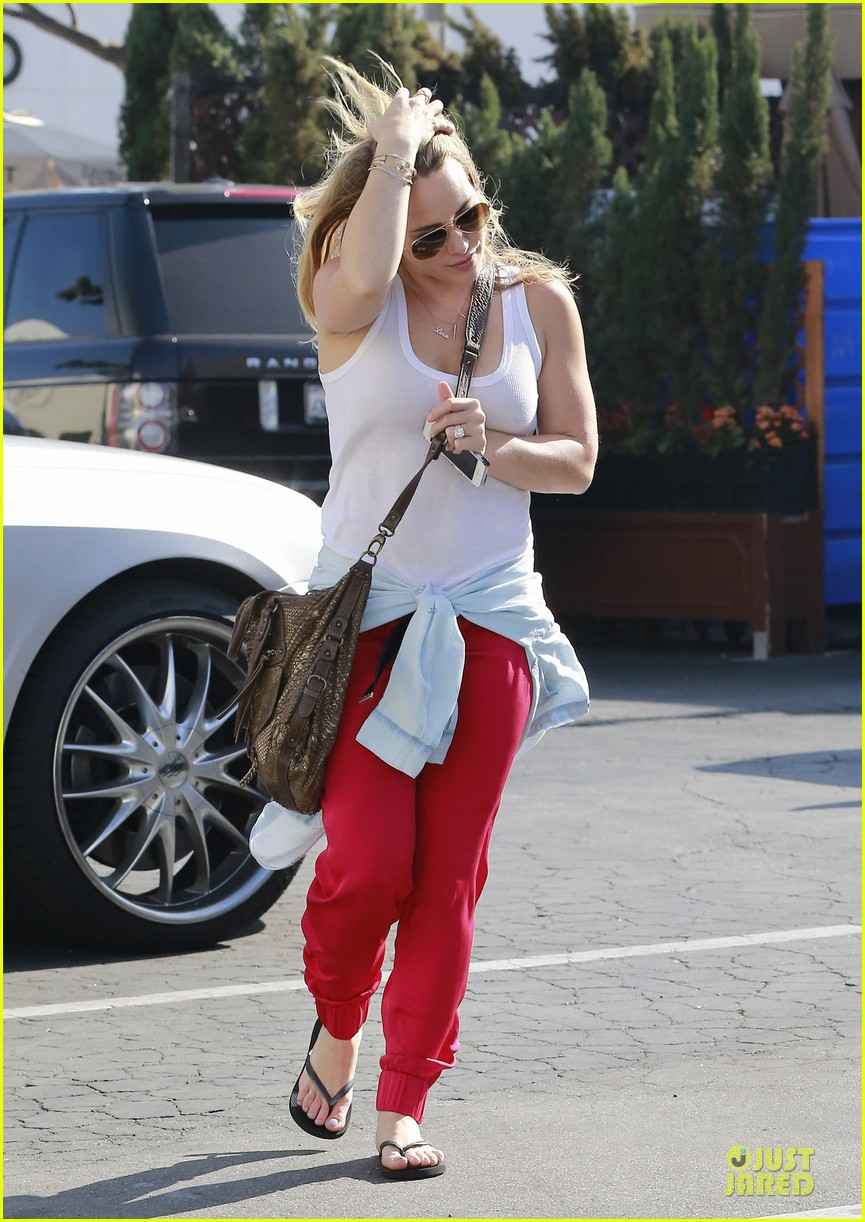 hilary duff mike comrie separate beverly hills outings 03