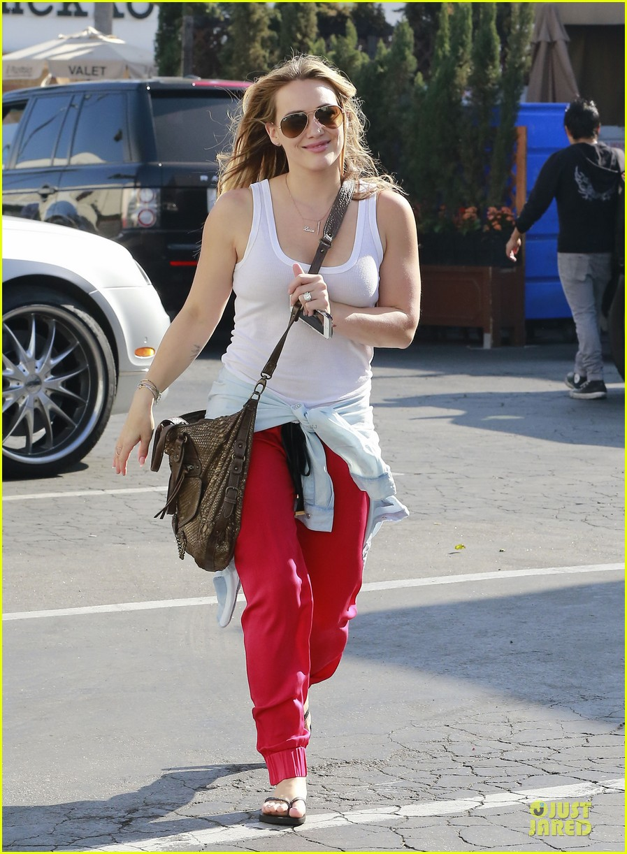 hilary duff mike comrie separate beverly hills outings 142977285