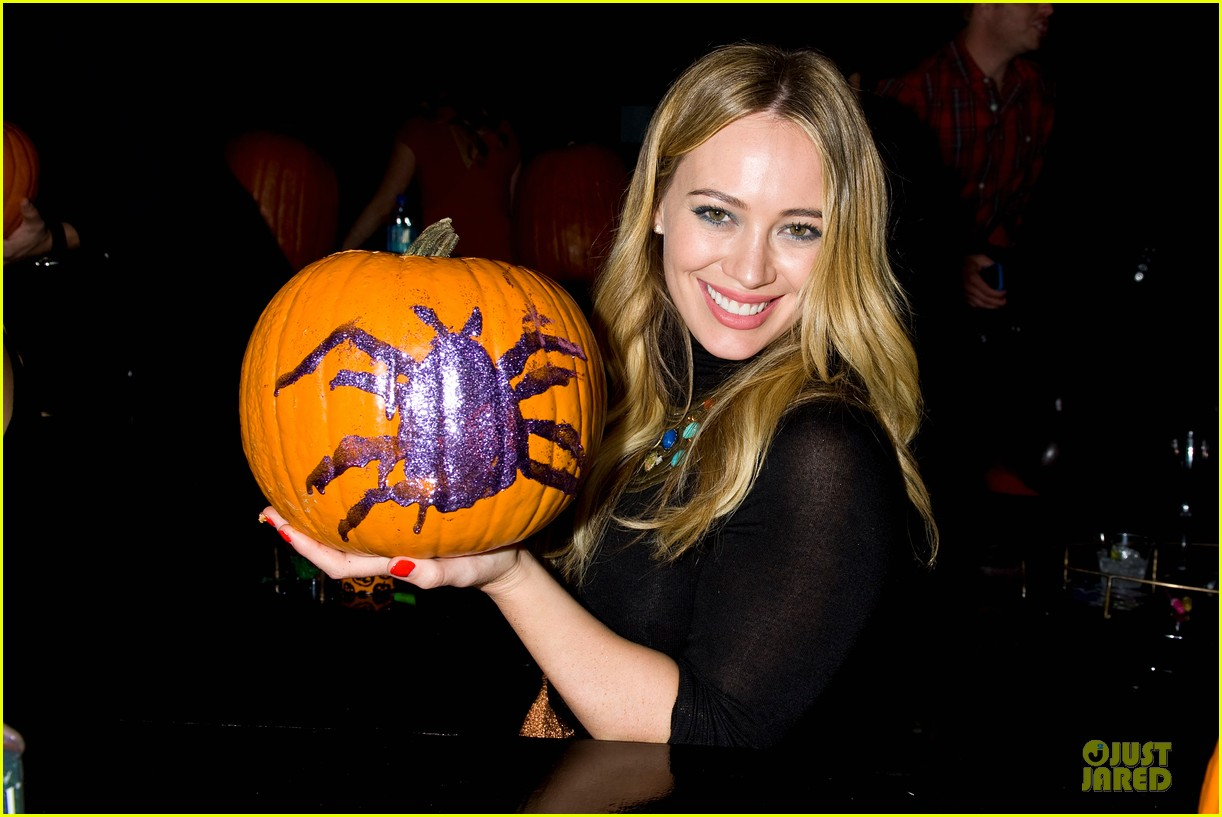 hilary duff just jared halloween party 2013 082979251