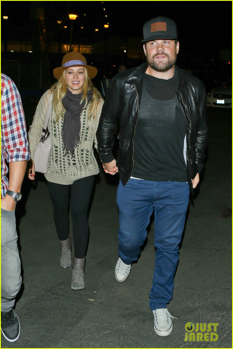 hilary duff mike comrie john mayer concert couple 012967366