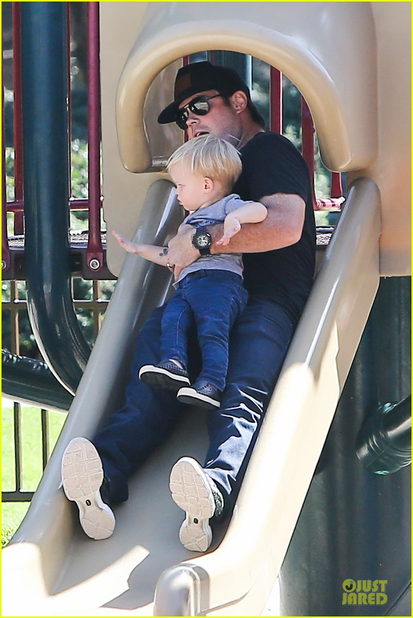 hilary duff mike comrie slides with luca 032970391
