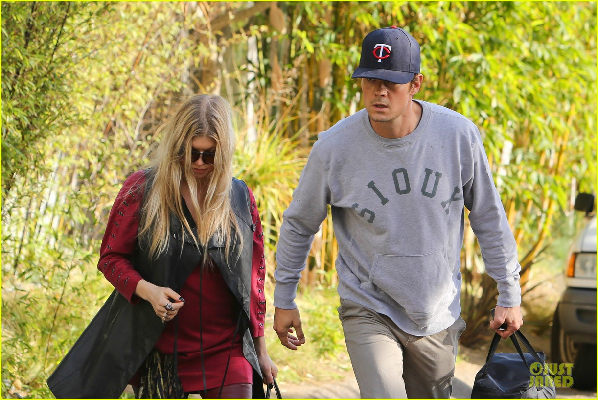 fergie josh duhamel weve gotta move fast on second baby 022981988