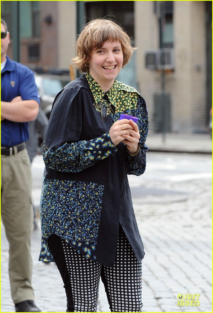 lena dunham milks a cow for billy on the street 20
