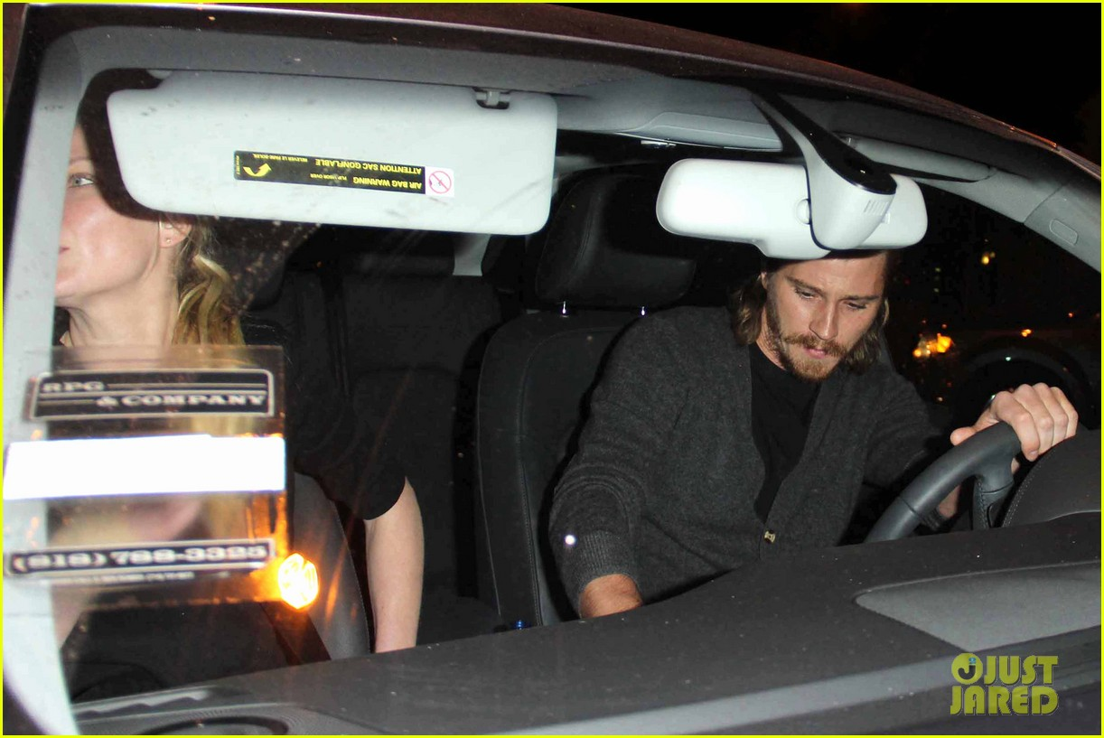 kirsten dunst garrett hedlund enjoy dinner date night 082979027