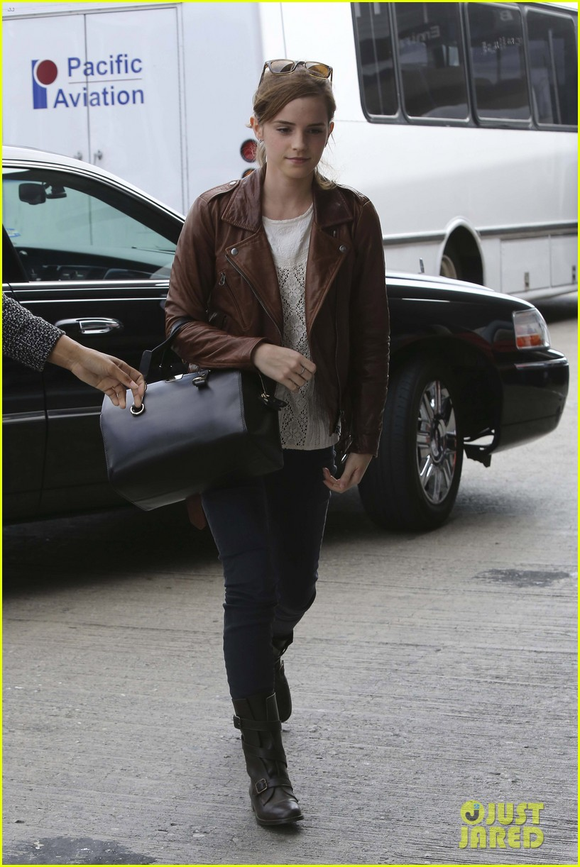 emma watson flies out of los angeles 032977921