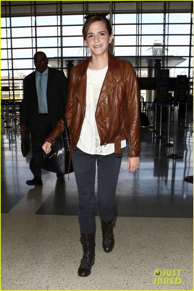emma watson flies out of los angeles 112977929
