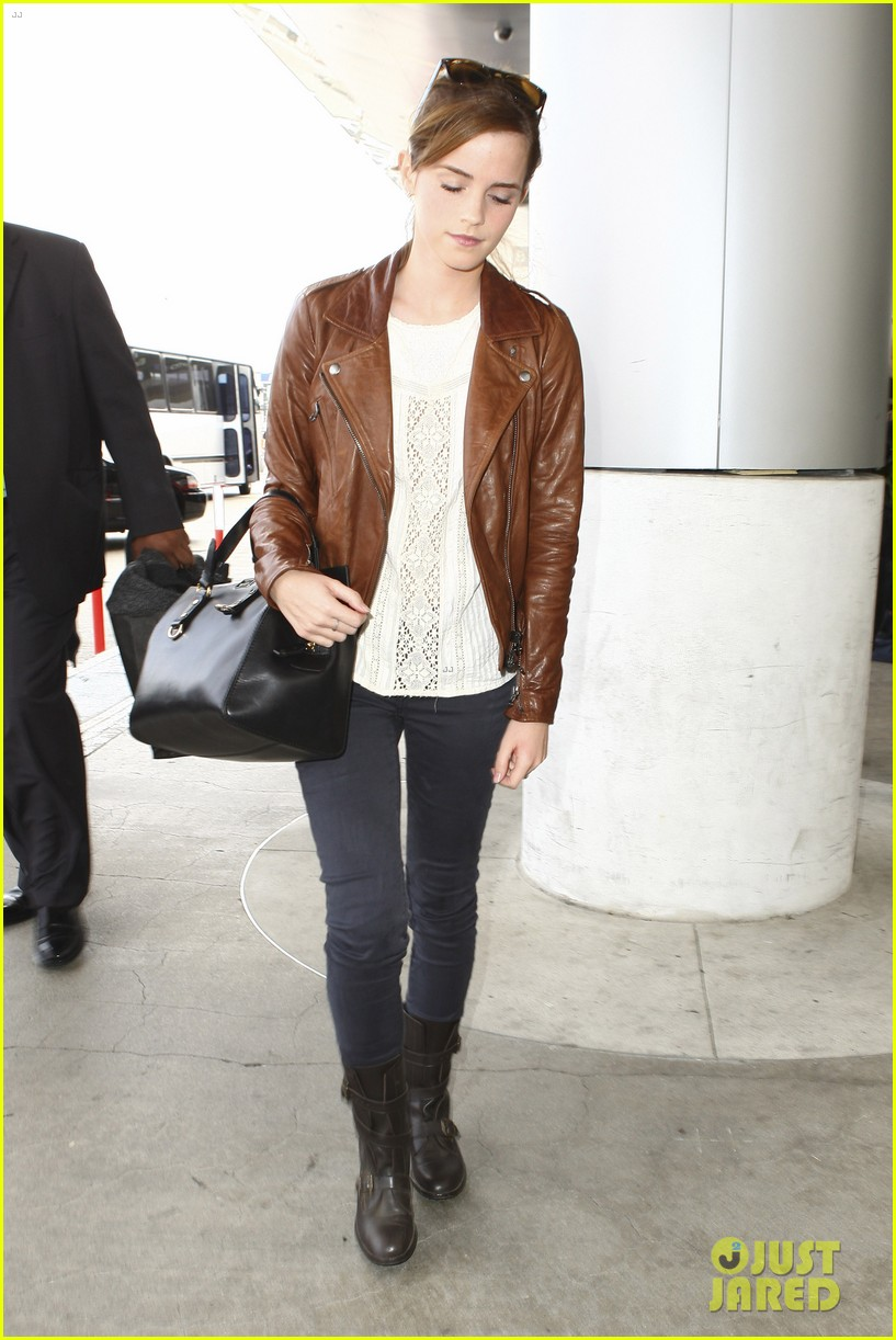 emma watson flies out of los angeles 222977940