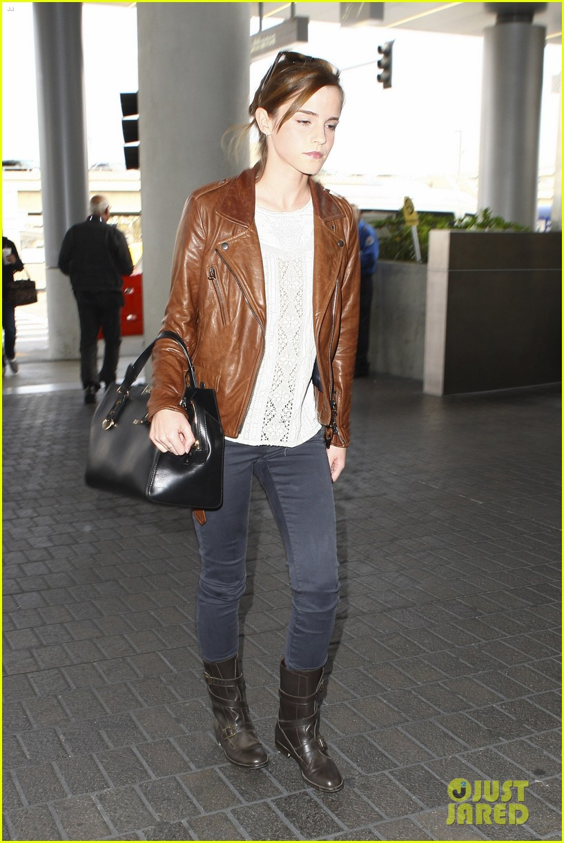 emma watson flies out of los angeles 242977942