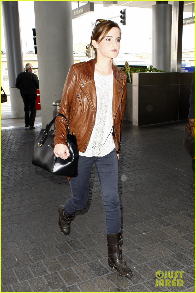 emma watson flies out of los angeles 312977949