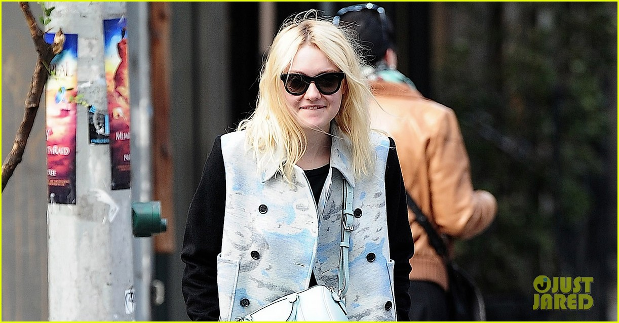 dakota fanning shares a meal with richard gere 03