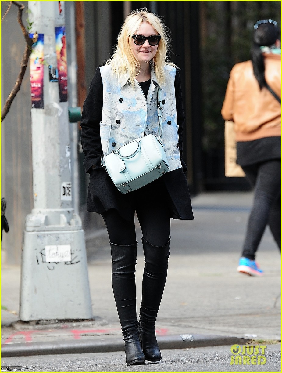 dakota fanning shares a meal with richard gere 042975440