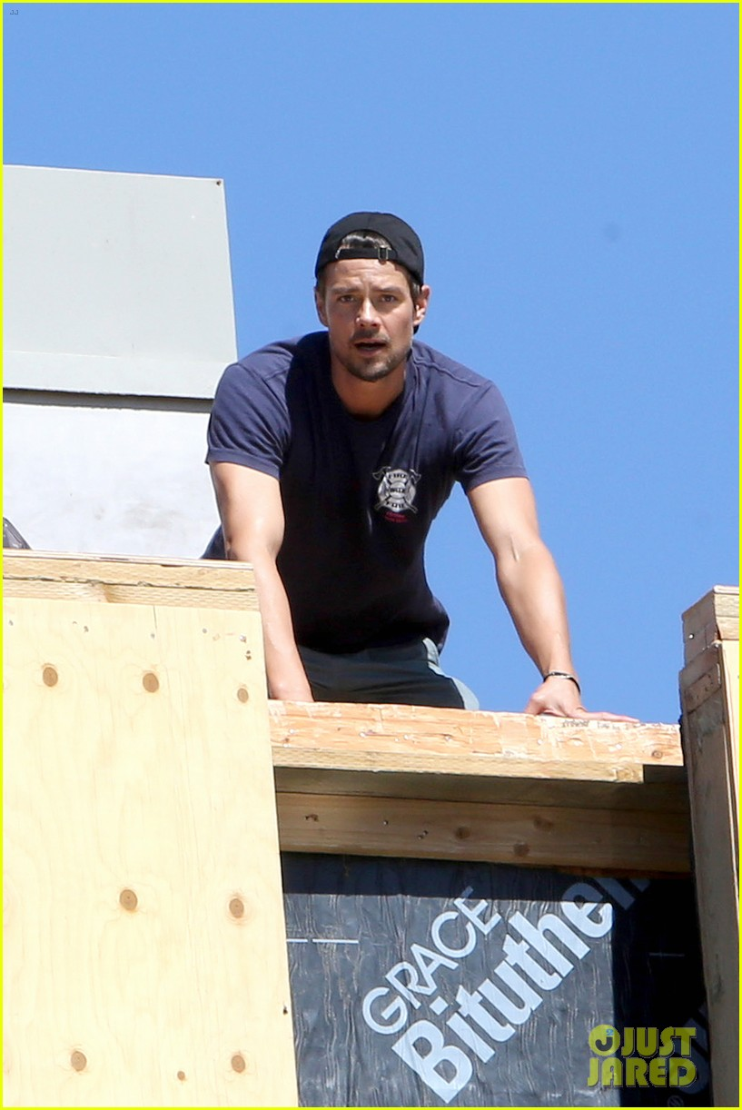 fergie josh duhamel check progress on their new home 022967863