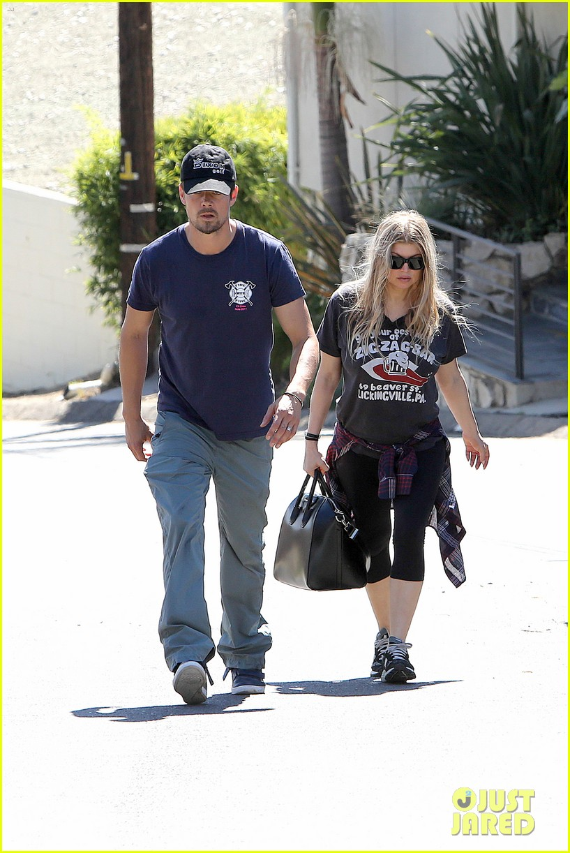 fergie josh duhamel check progress on their new home 252967886