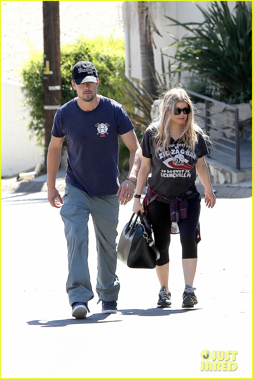 fergie josh duhamel check progress on their new home 262967887