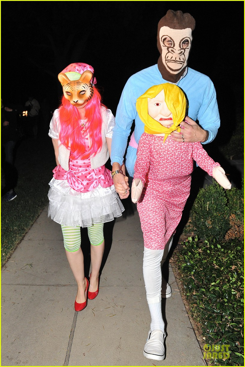 isla fisher sasha baron cohen casamigos halloween party 2013 062979607