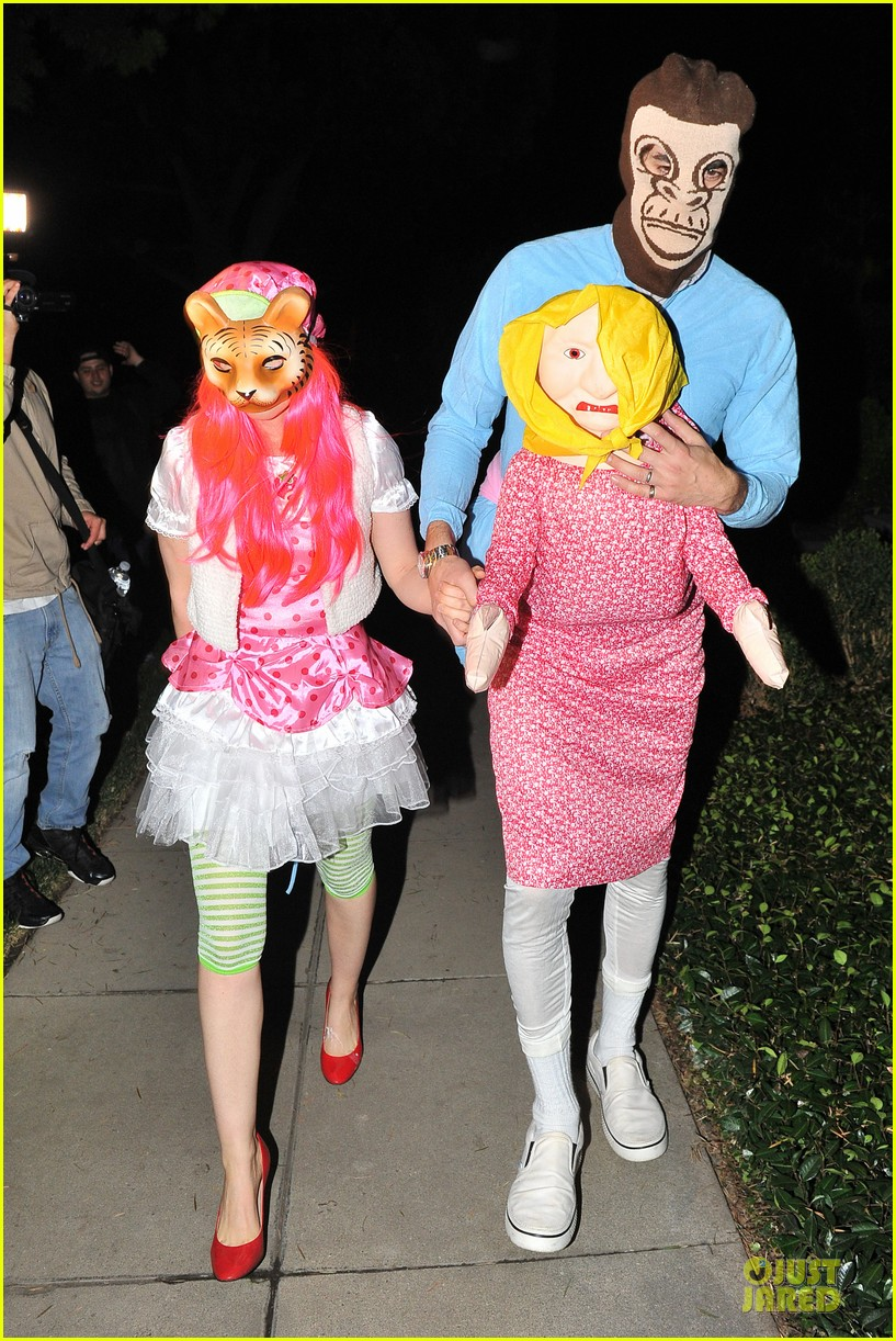 isla fisher sasha baron cohen casamigos halloween party 2013 072979608