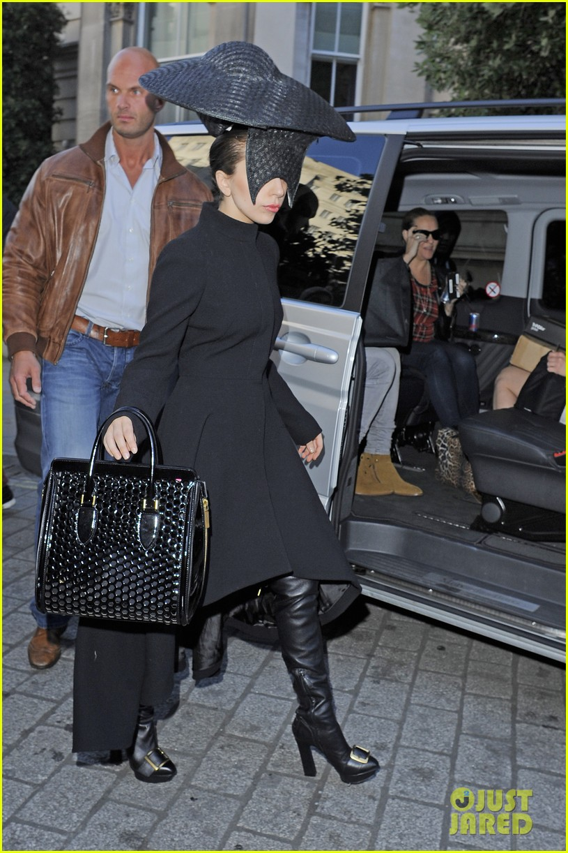 lady gaga steps out in london after puppy alice dies 022982861