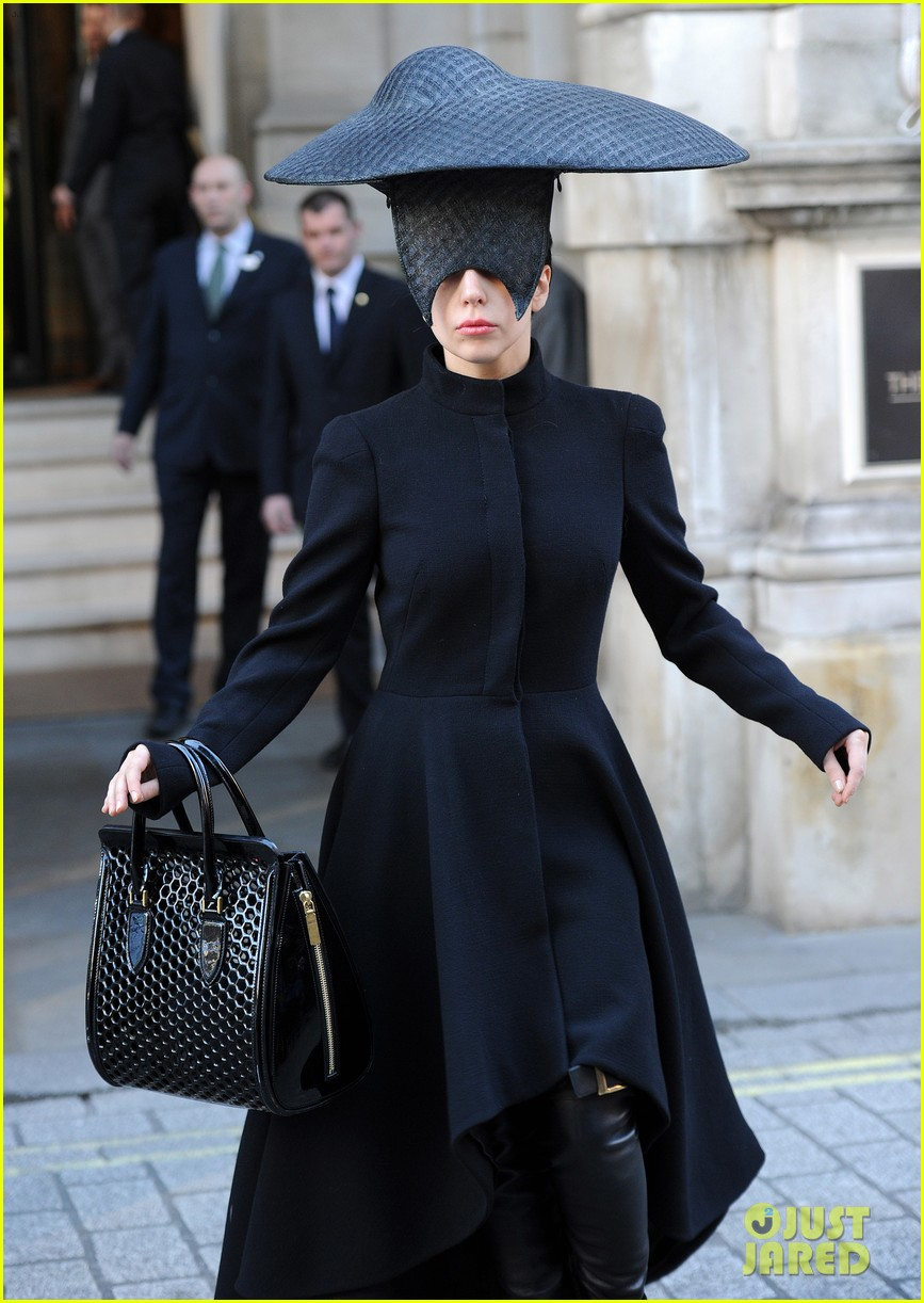 lady gaga steps out in london after puppy alice dies 032982862