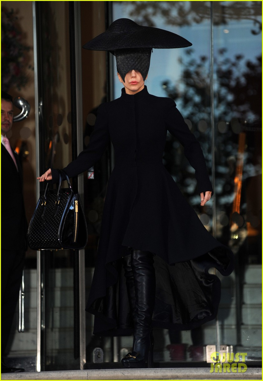 lady gaga steps out in london after puppy alice dies 122982871