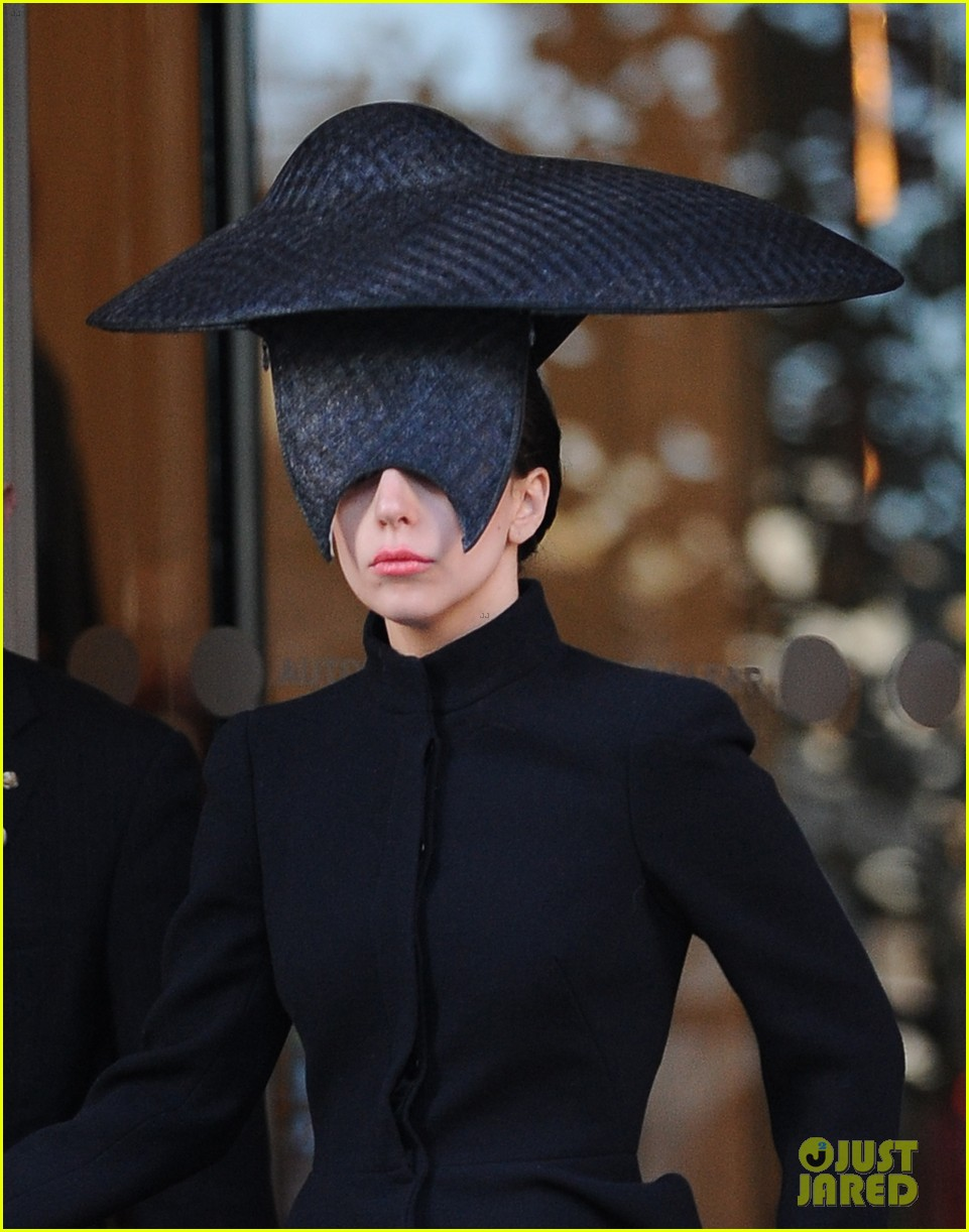 lady gaga steps out in london after puppy alice dies 132982872