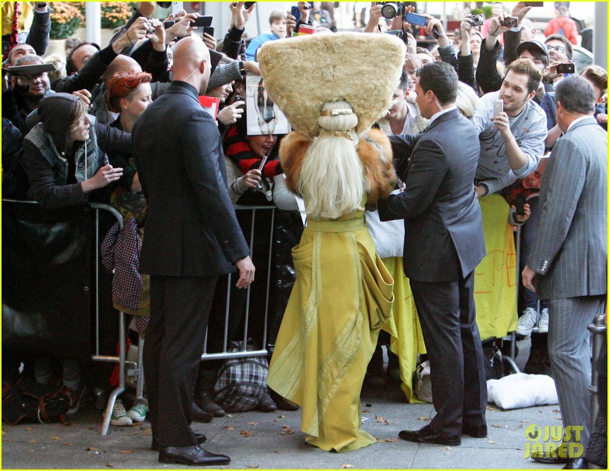 lady gaga wears furry headpeice for artpop promo 052978417