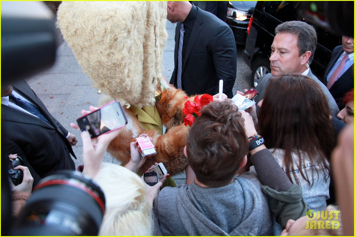 lady gaga wears furry headpeice for artpop promo 062978418