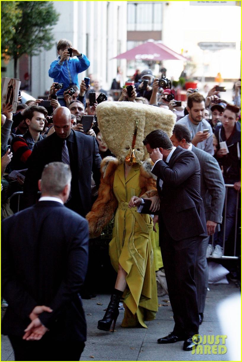 lady gaga wears furry headpeice for artpop promo 122978424