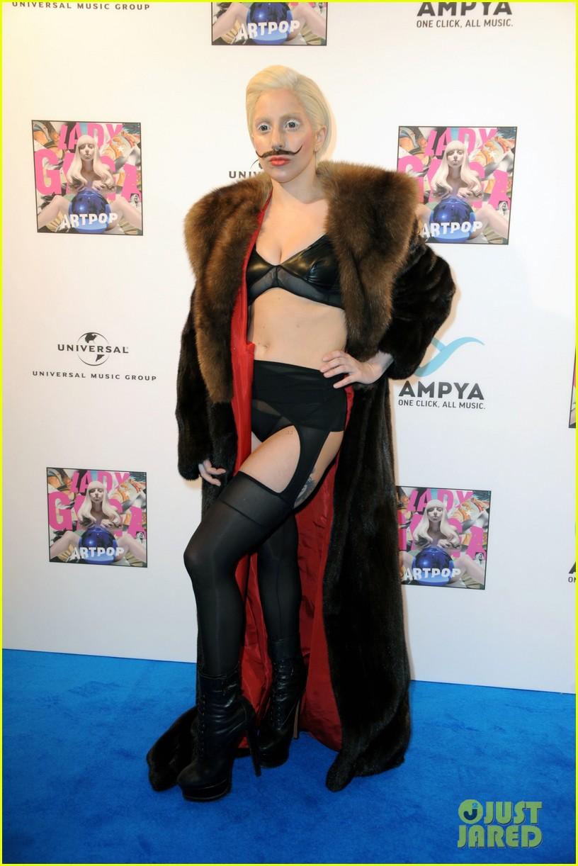 lady gaga artpop listening party in berlin 072978444