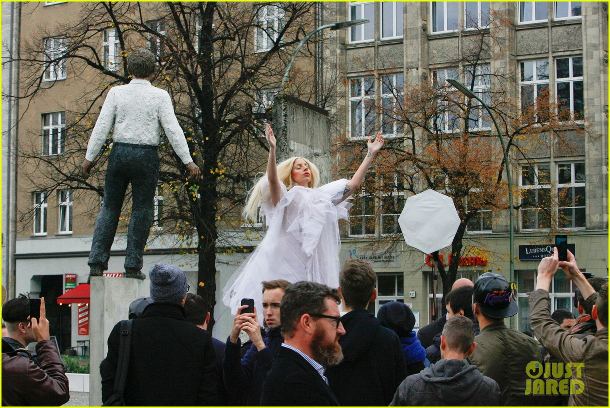 lady gaga naked under sheer cover up at berlin wall 20