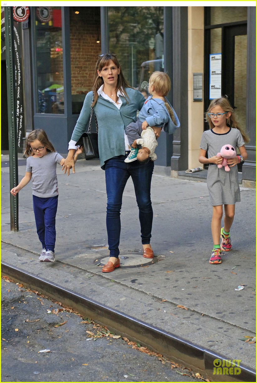 jennifer garner talks paparazzi bill impact on kids daily life 062966967