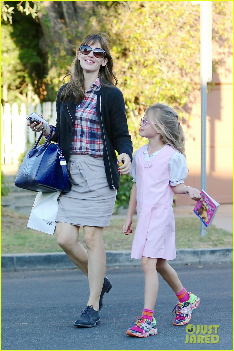 jennifer garner ben affleck gone girl gets release date 082972772