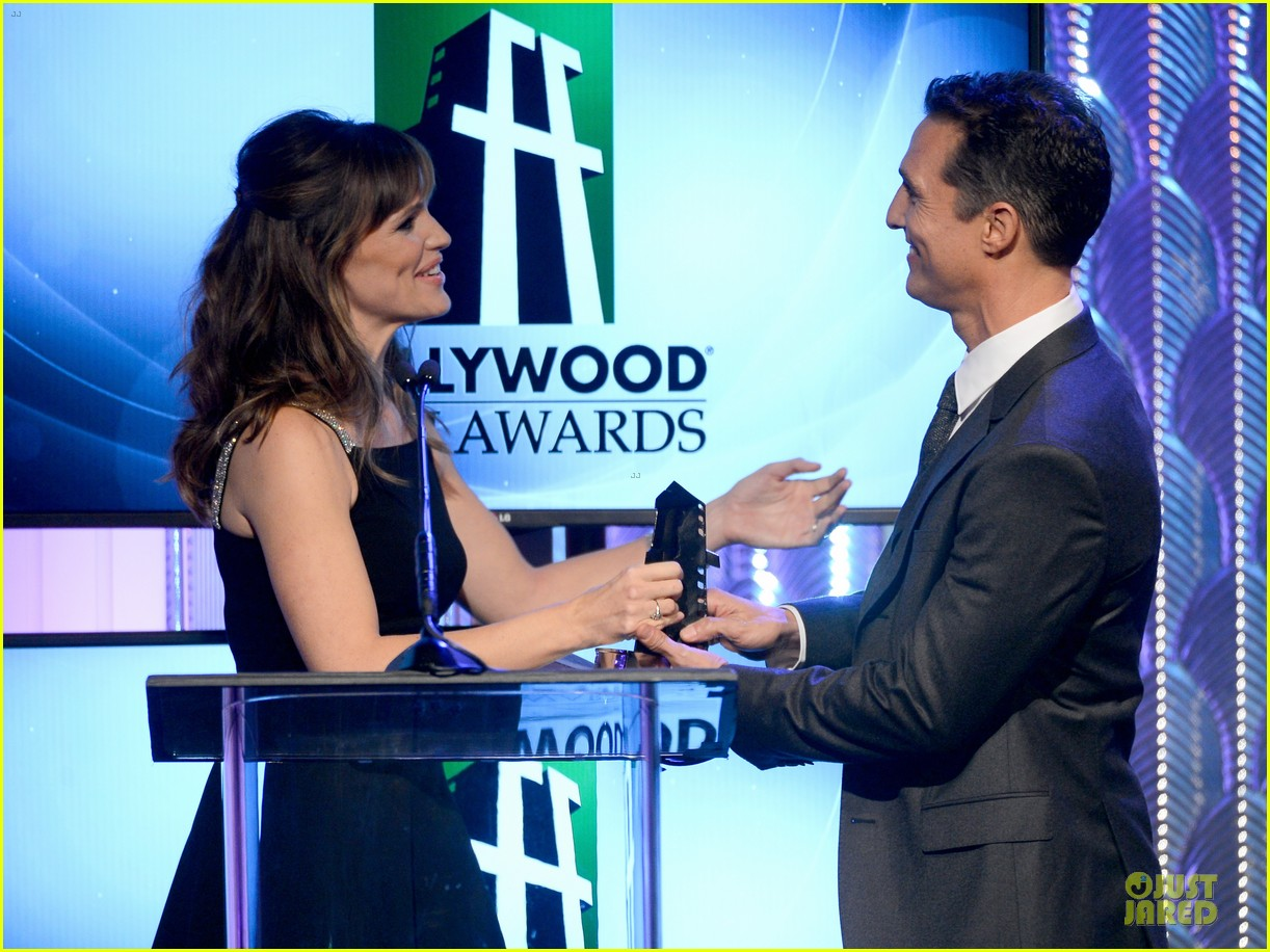 jennifer garner julia roberts hollywood film awards 2013 022976806