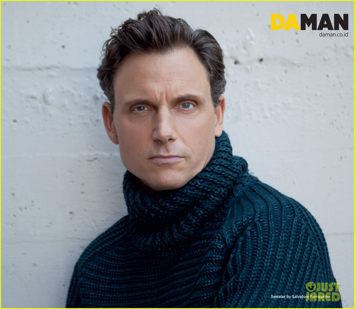 scandal tony goldwyn covers da man oct nov 2013 032964724