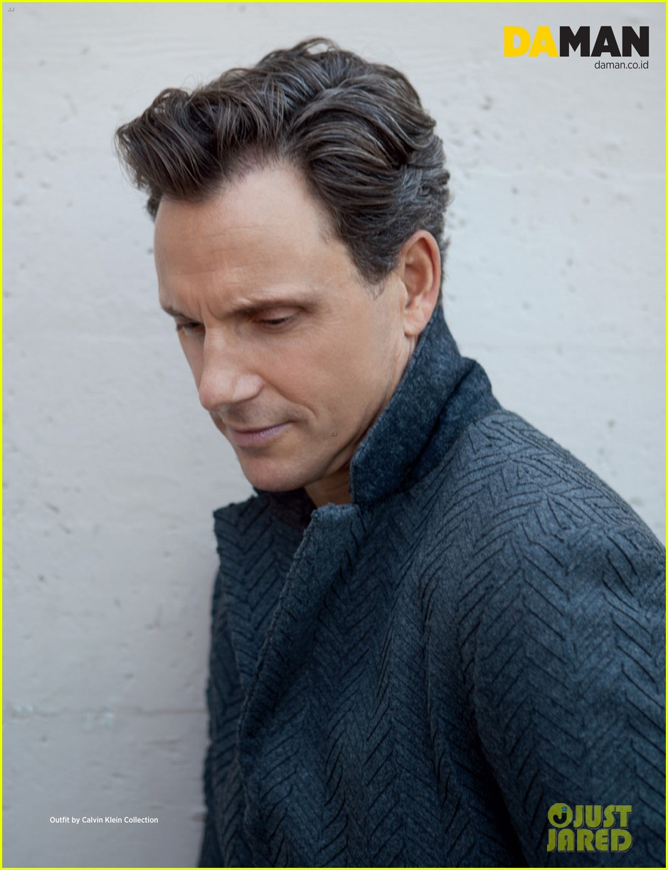 scandal tony goldwyn covers da man oct nov 2013 06