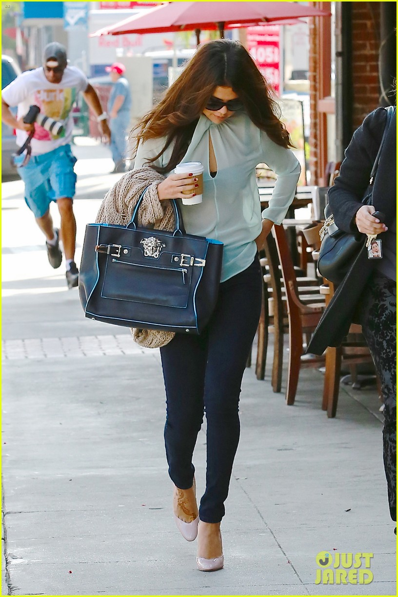 selena gomez grabs coffee with mom mandy 112965348