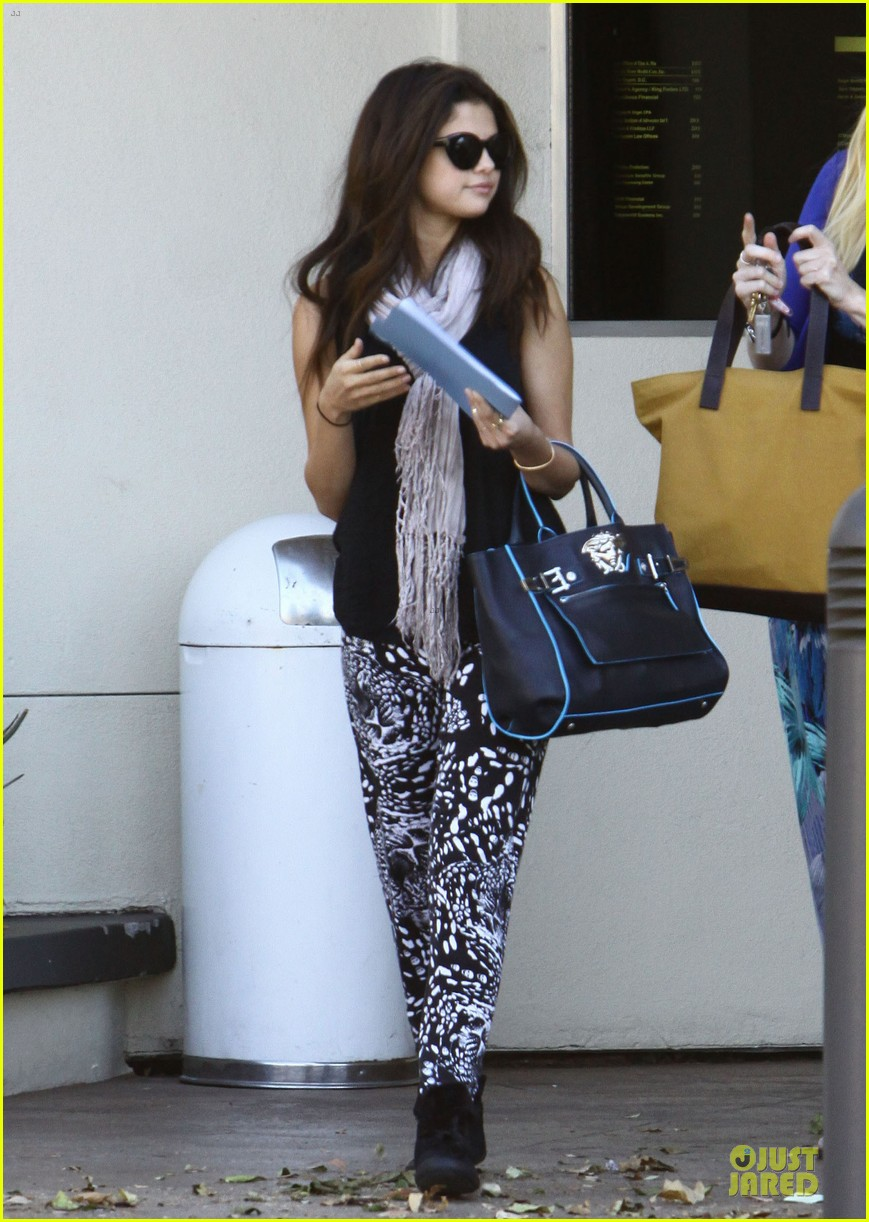 selena gomez already missing you duet with prince royce 032967039