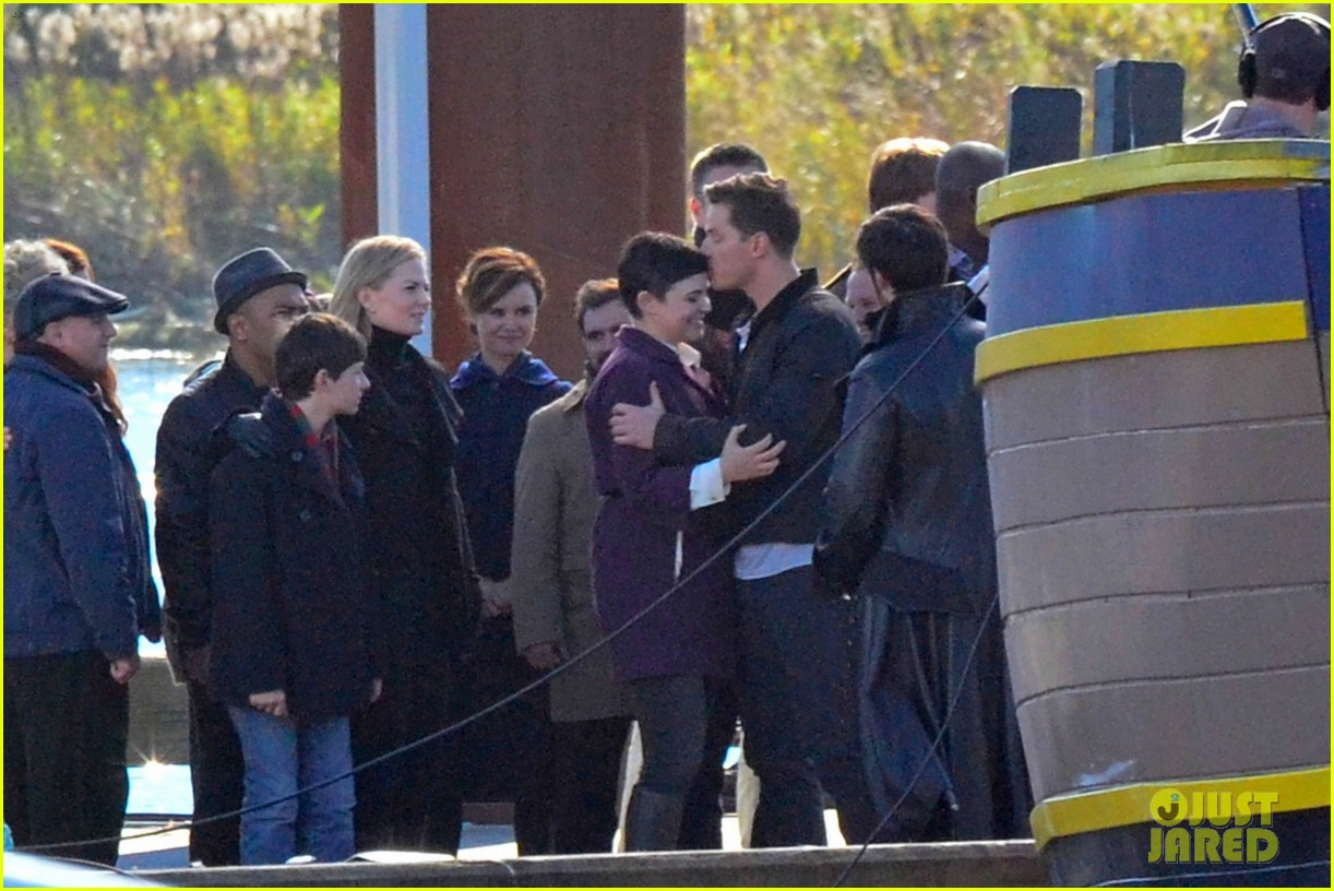 ginnifer goodwin josh dallas share sweet kiss on once set 10