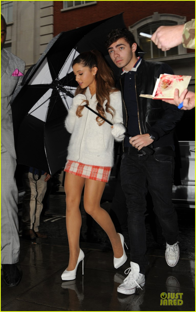 ariana grande nathan sykes battle the rain together 032970340