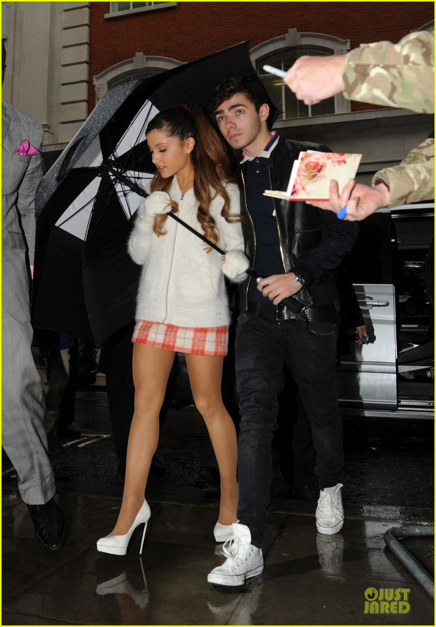 ariana grande nathan sykes battle the rain together 072970344