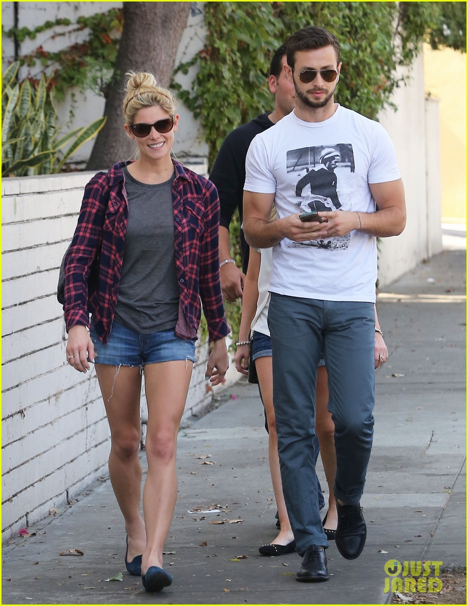 ashley greene paul khoury hang out with friends 012965407