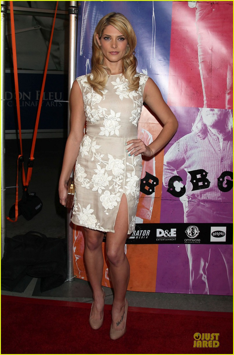 ashley greene malin akerman cbgb hollywood premiere 012964290