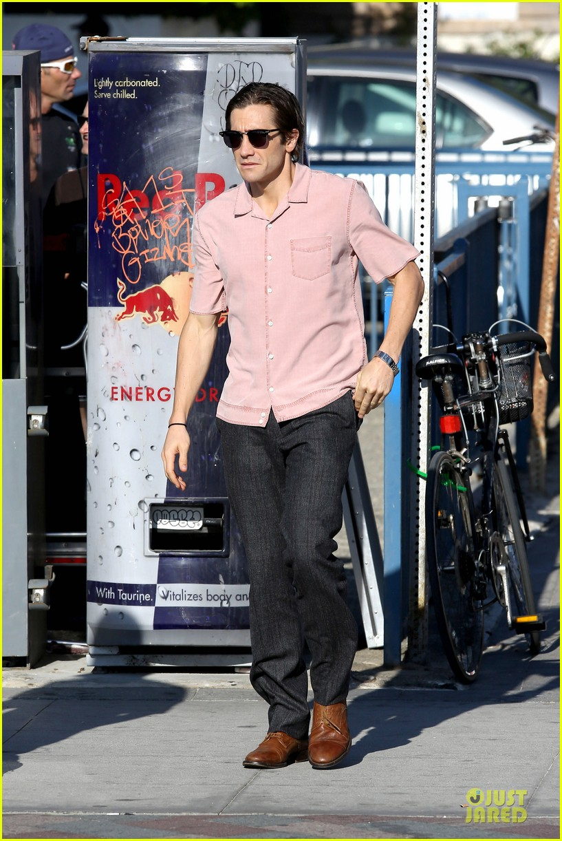 jake gyllenhaal has a gift for cooking sis maggie raves 192972118