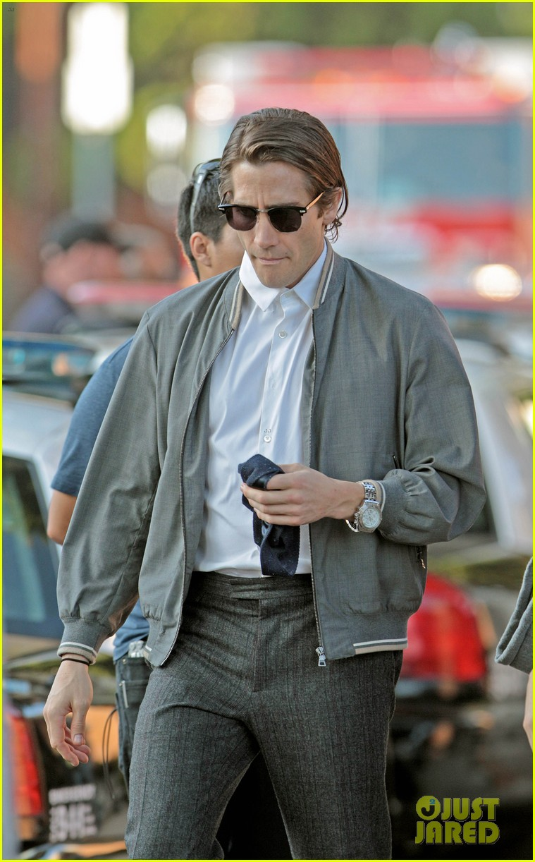 jake gyllenhaal looks slimmed down for nightcrawler shoot 152971615