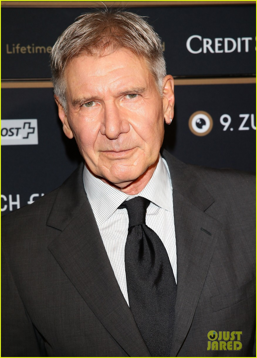hailee steinfeld harrison ford first enders game clip watch 042966774