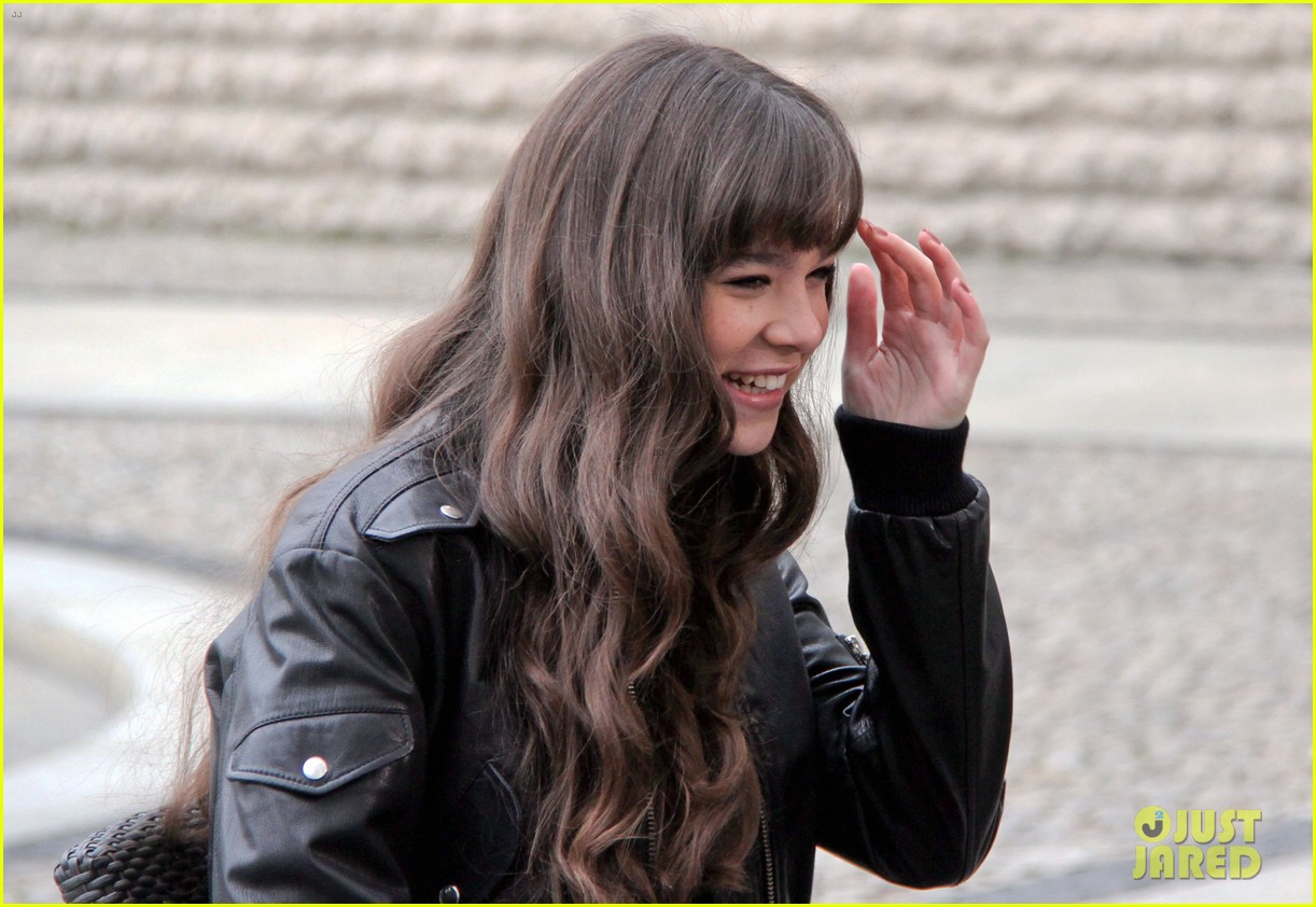 hailee steinfeld harrison ford first enders game clip watch 372966807