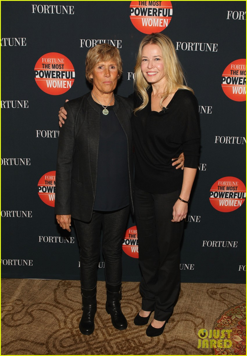chelsea handler interviews diana nyad at fortune summit 04
