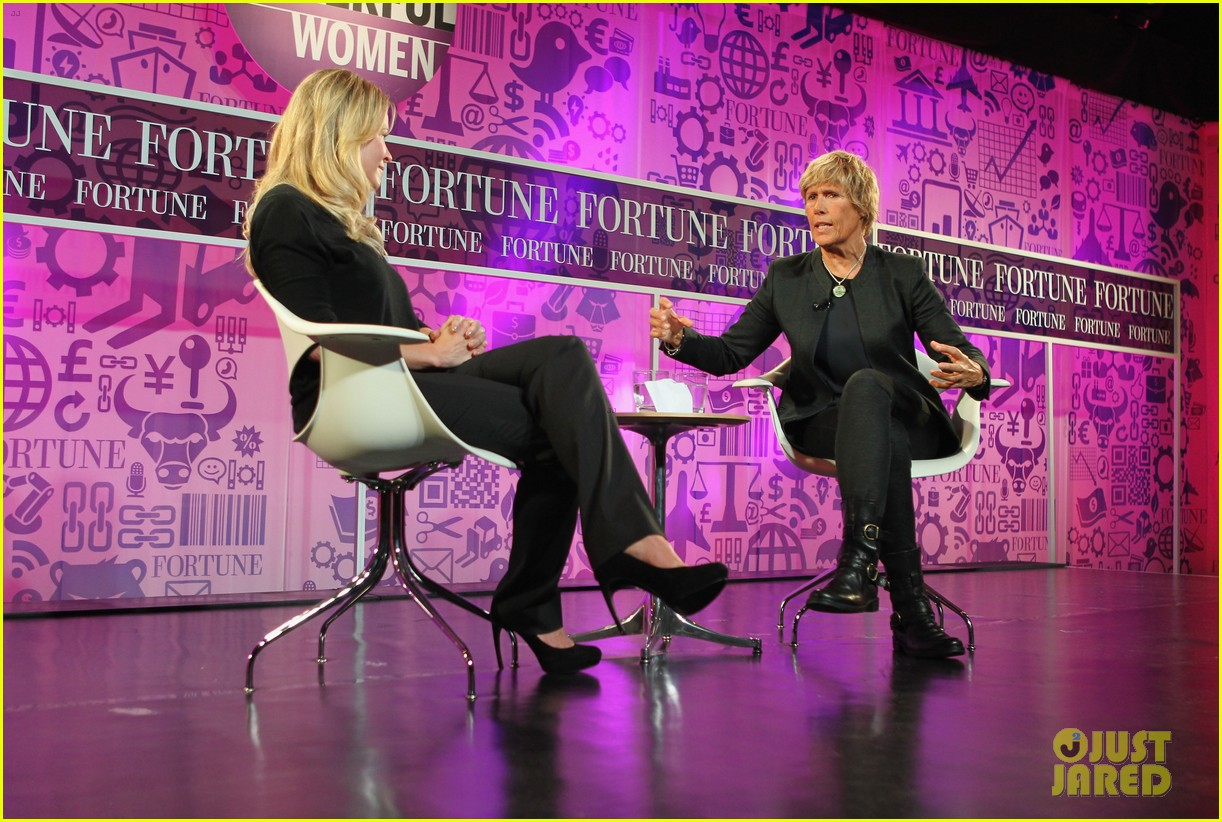 chelsea handler interviews diana nyad at fortune summit 082973255