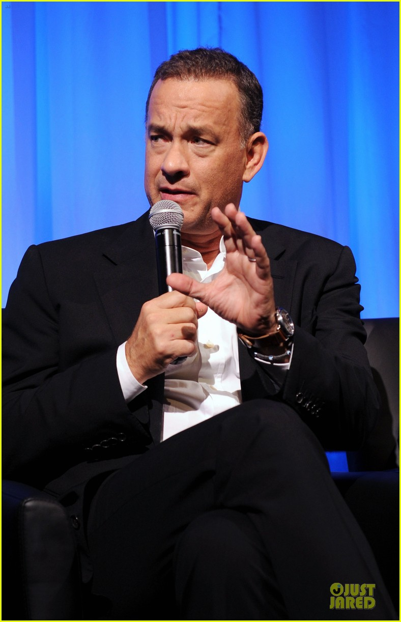 tom hanks we filmed close enough to see each others pores 022968171